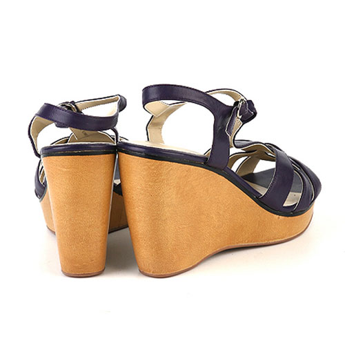 新款时尚女士凉鞋